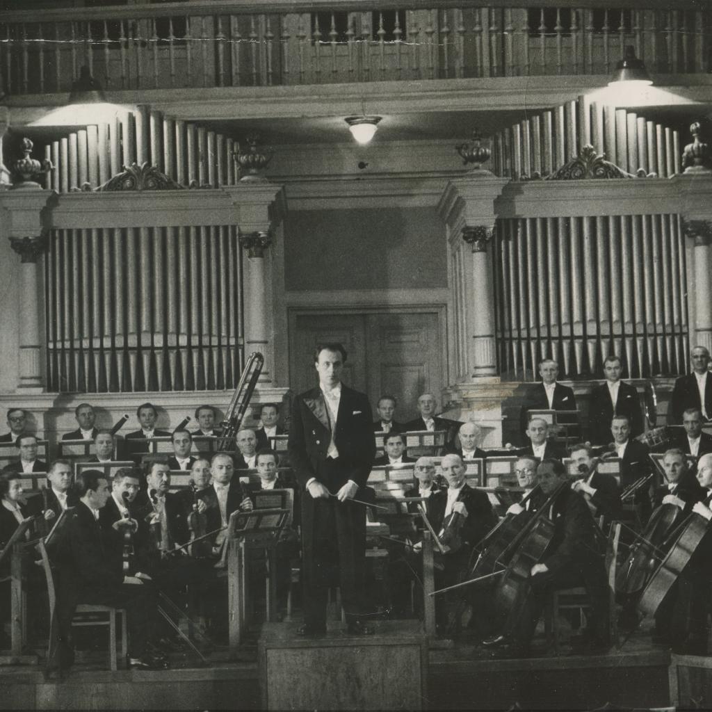 Orkiestra w starej sali na ul. Osterwy