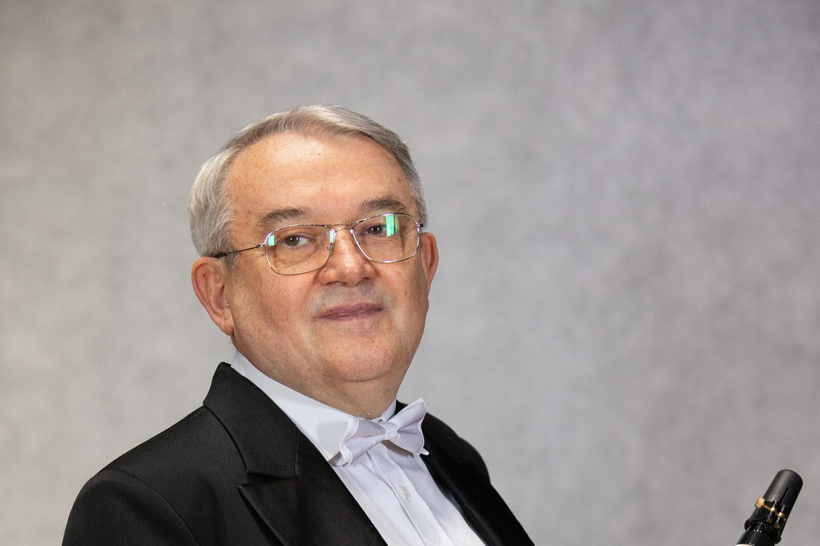 Zdjęcie Andrzeja Mazura z klarnetem