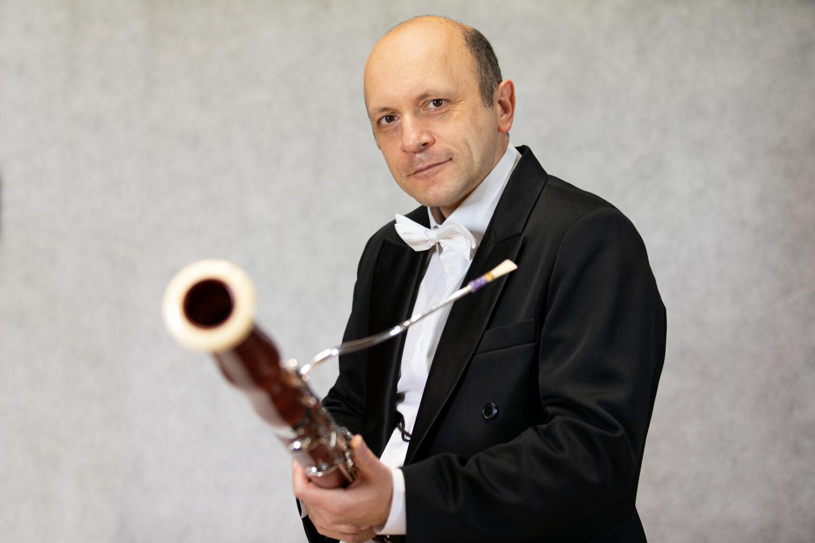Zdjęcie Grzegorza Barańskiego z fagotem
