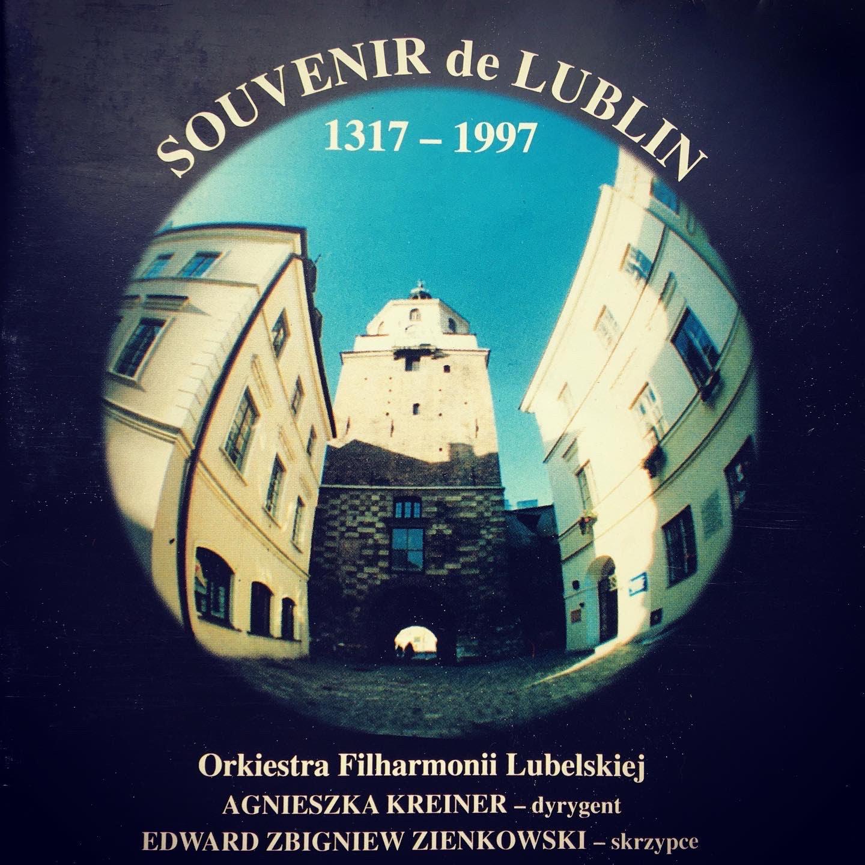 okładka płyty souvenir de lublin, przedstawia brame krakowską
