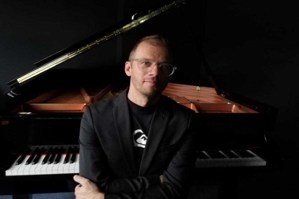 Tomasz Gumiela